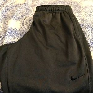 Nike therma fit sweatpants